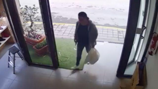 mujer robó 40 vibradores