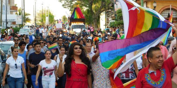 turistas-LGBT-Puerto-Vallarta-