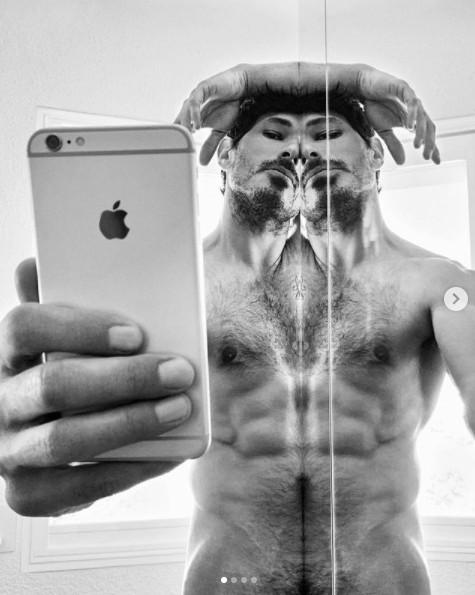Andrés Velencoso desnudos famosos cuarentena