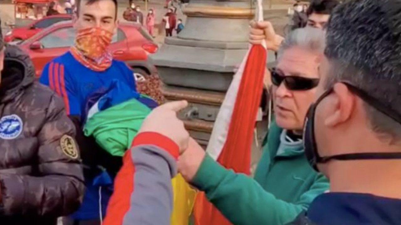 Exmilitares ataques banderas LGBTQ+