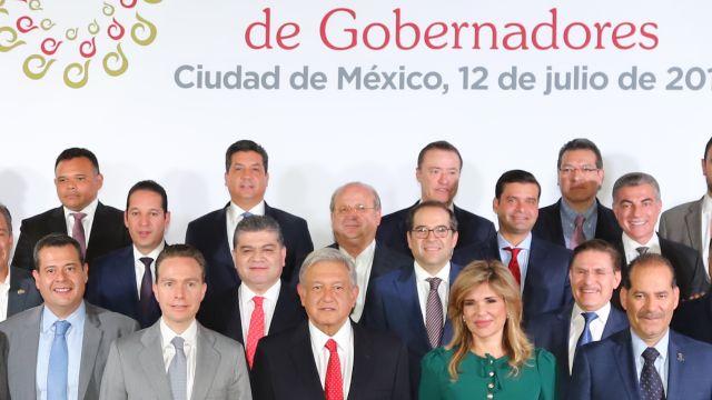 AMLO con gobernadores