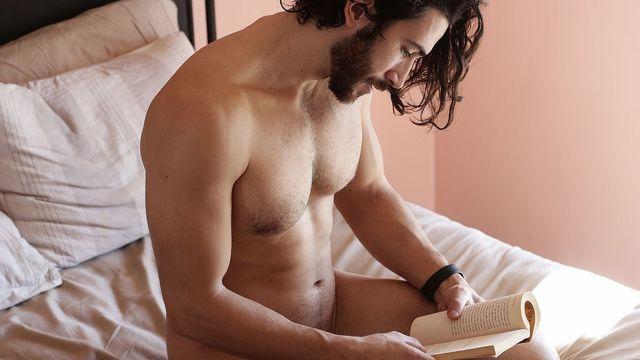 Estamos seguros de que vas a disfrutar estos libros eróticos gay