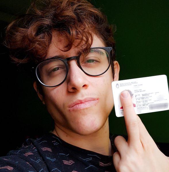 hombres trans Oliver Nash