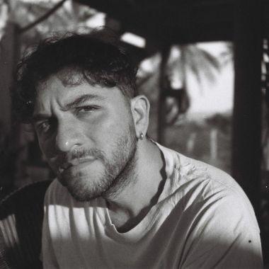 Bruno Santamaría aprendió a salir del clóset a través de su cine.