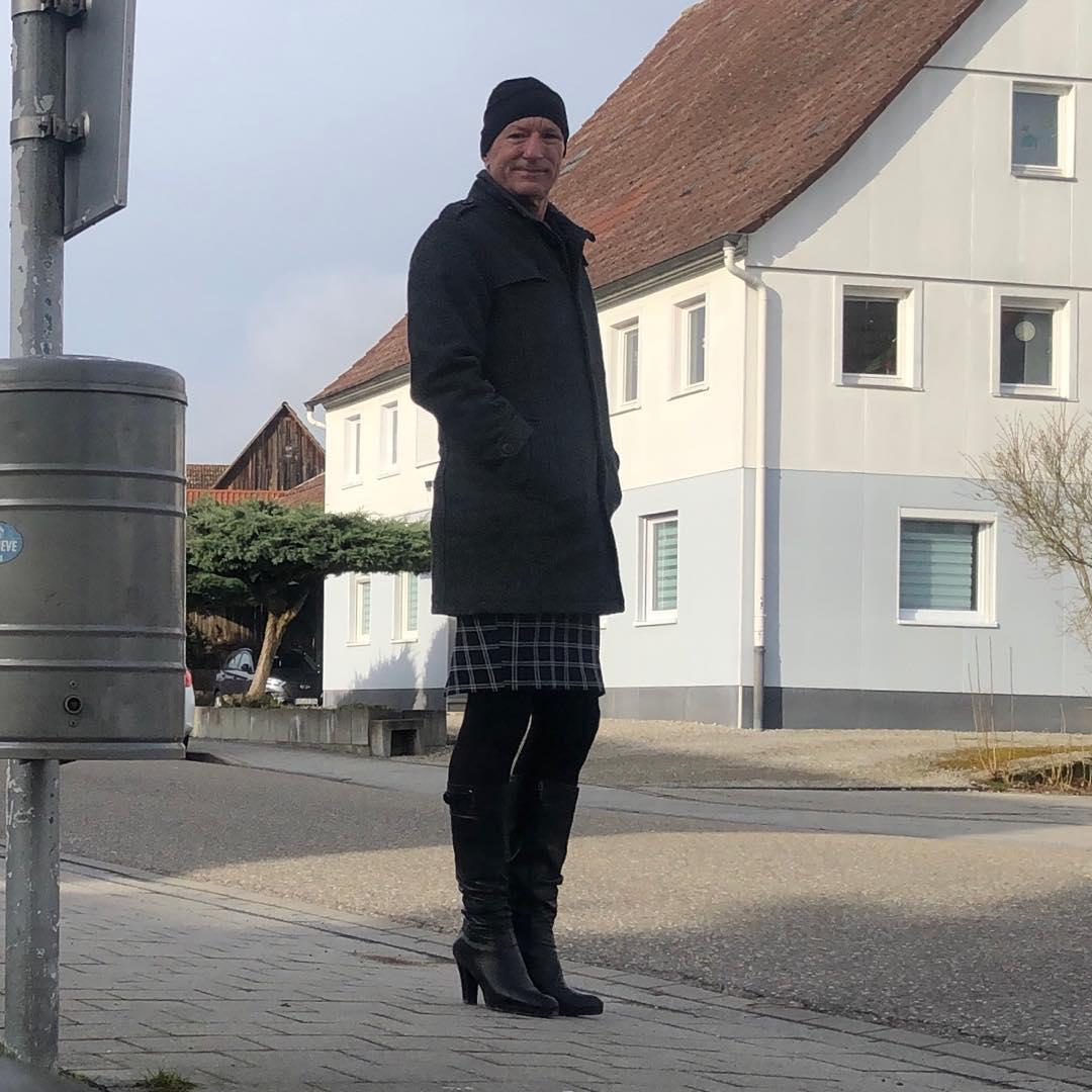 Hombre con falda