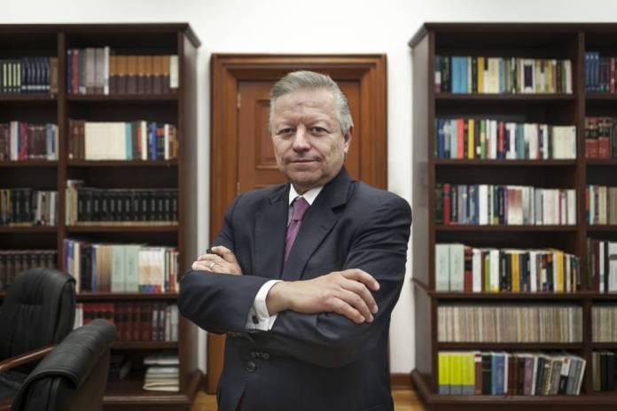 Arturo Zaldívar defiende el uso del lenguaje incluyente