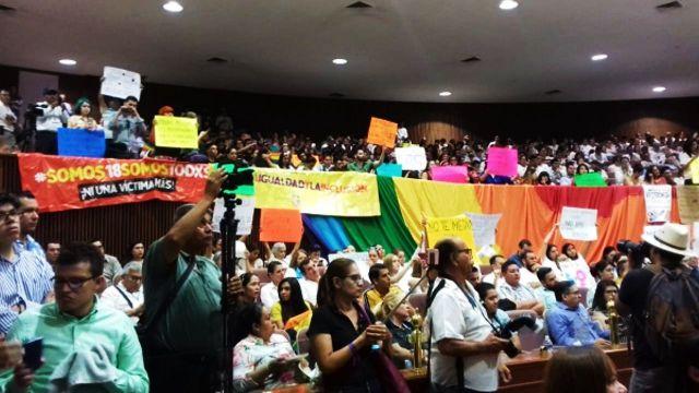propuesta de paridad de género para el matrimonio en Sinaloa afecta a parejas LGBT+