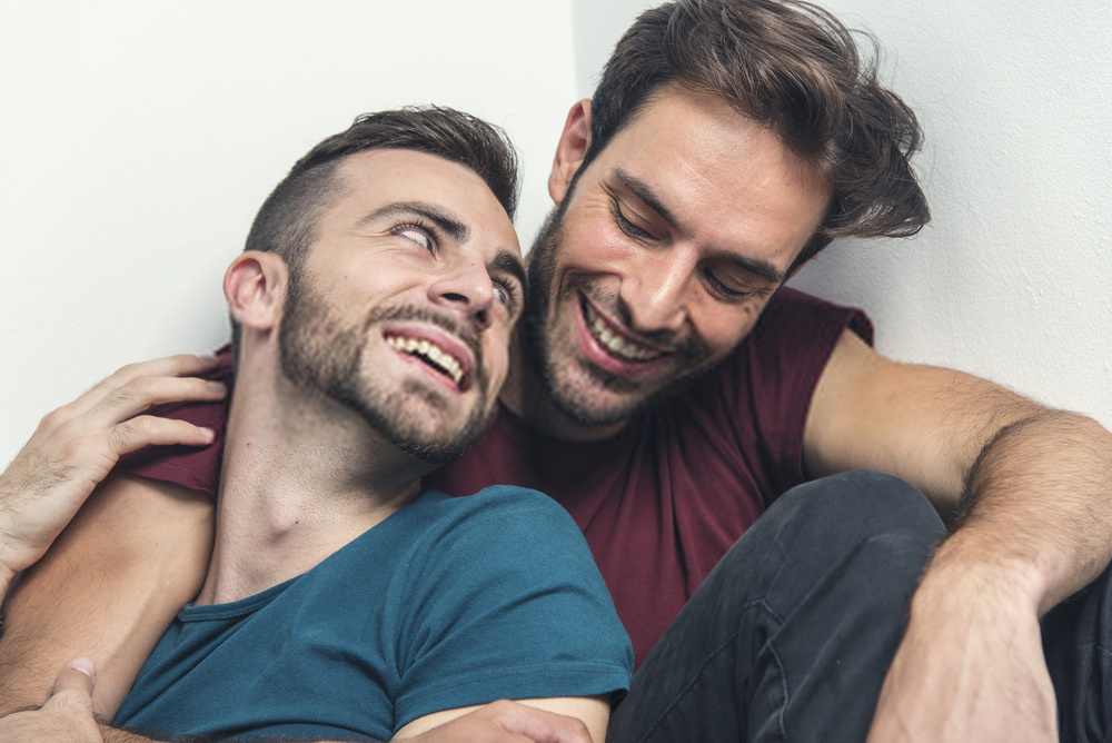 pareja gay amor capricho