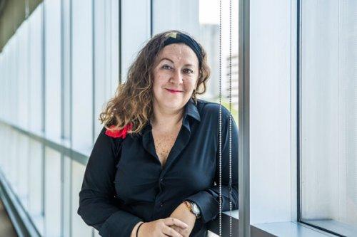Ana Francis Mor reina chula activista escritora actriz