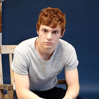 evan Peters american horror story actores guapos