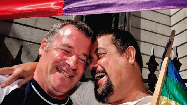curas-da-bendicion-personas-LGBT
