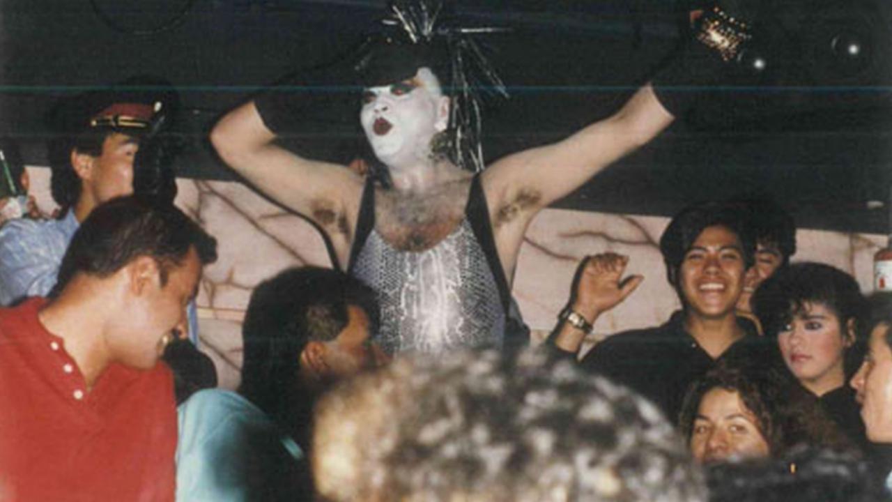 El Nueve popular bar gay méxico zona rosa