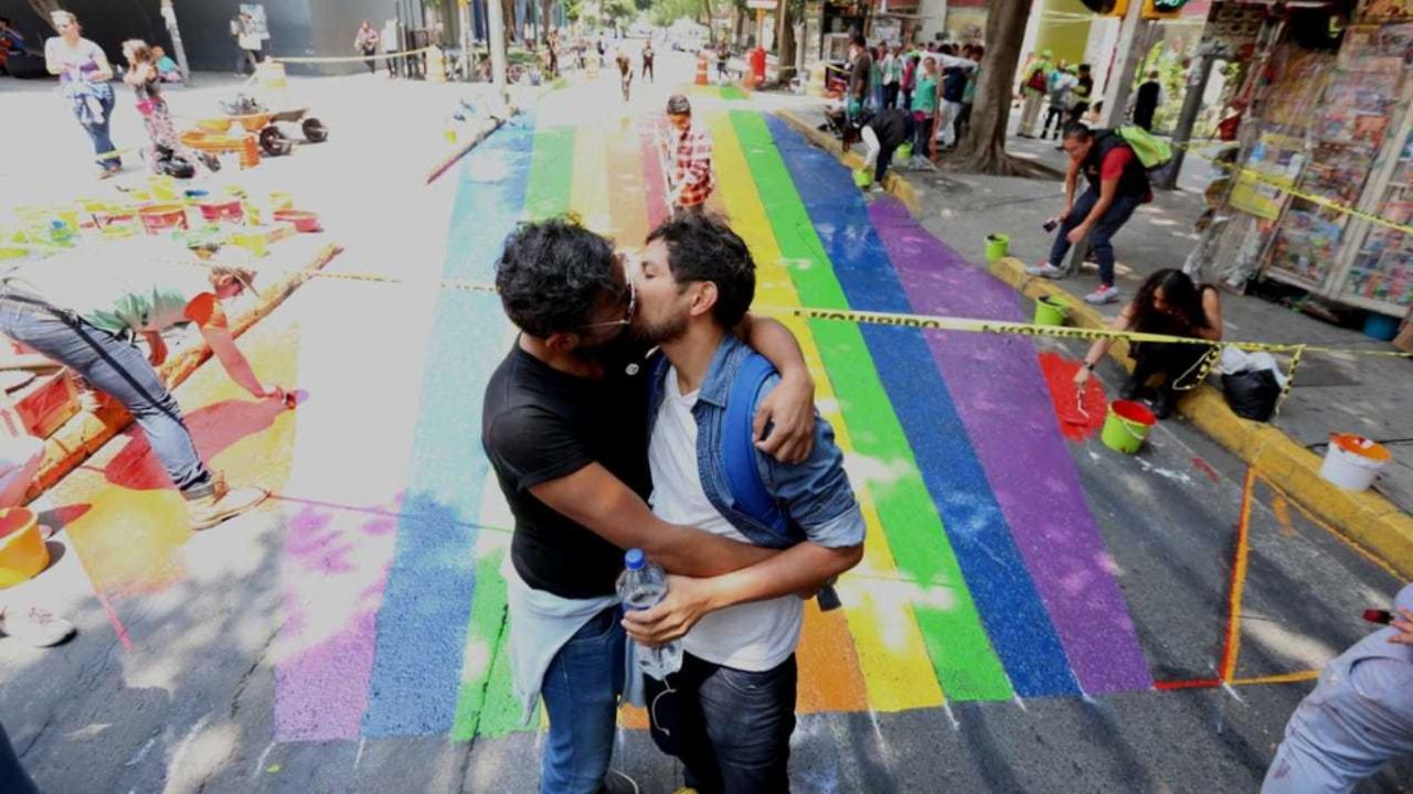 zona rosa barrios LGBT+ CDMX México