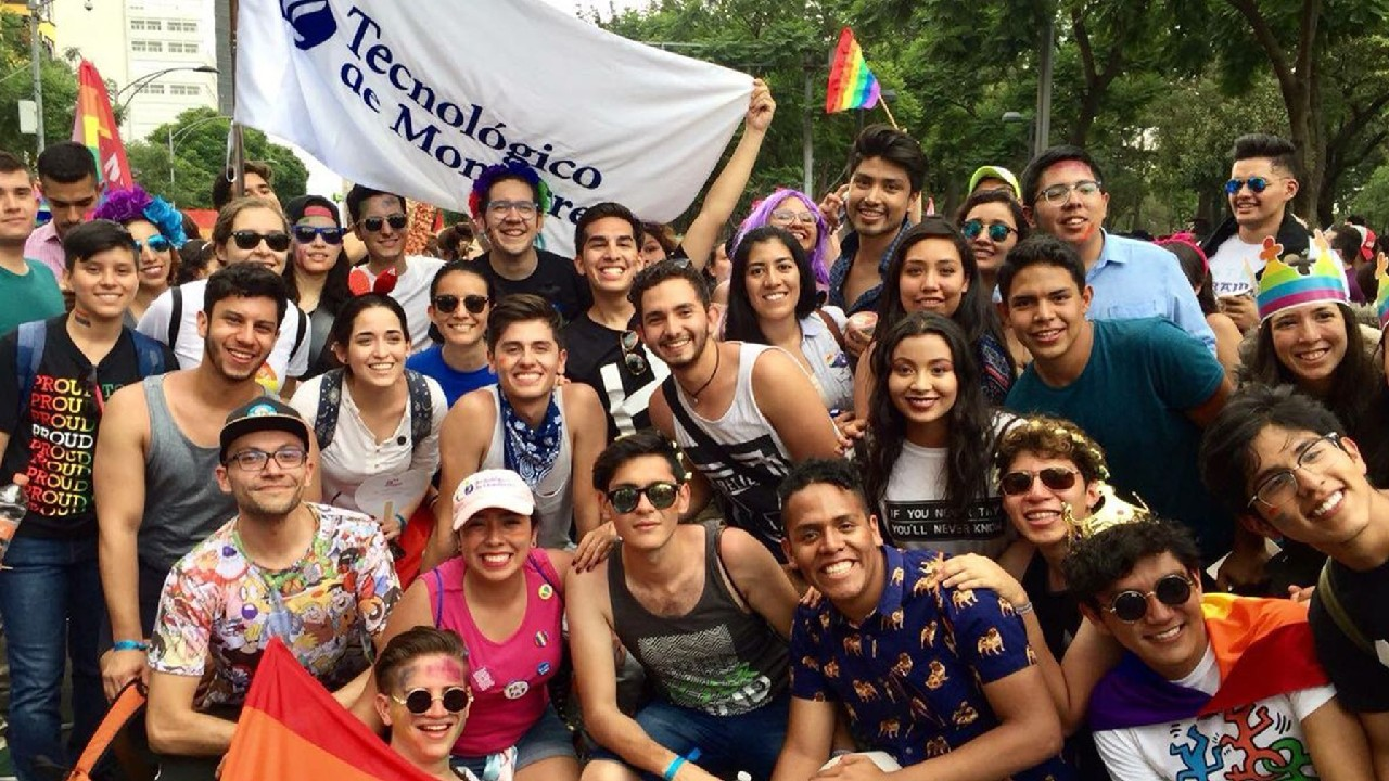Tec de Monterrey restringe grupos estudiantiles LGBT+