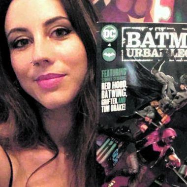 Belén Ortega ilustradora que dibujó a Robin bisexual en cómic de batman