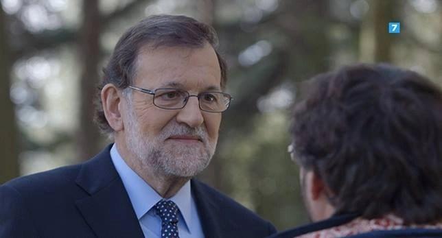 La serenidad acompaña el rostro de Rajoy.The-Buda en todo momento.