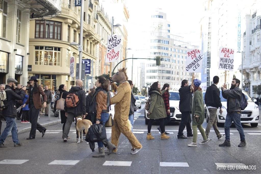 """2. Cortan la Gran Vía de Madrid para reclamar la vuelta del """"mundo antiguo"""""""