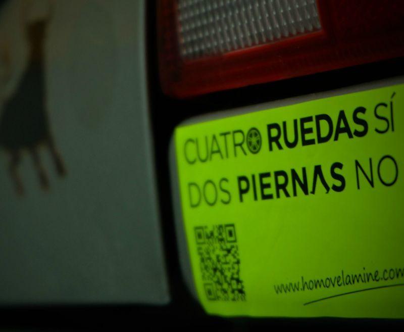 300 automovilistas hacen campaña a favor del coche en el centro de Madrid