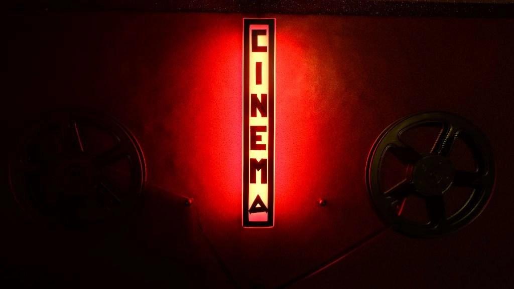 Nosotros cerramos el último cine X de Madrid