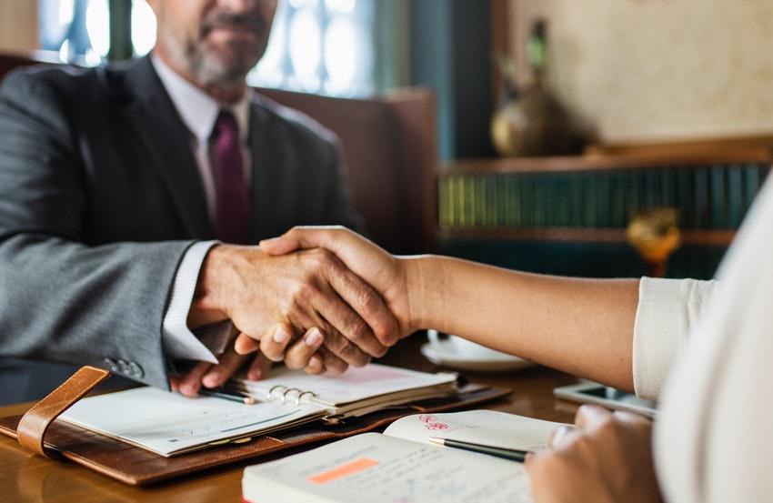 La importancia de contratar un abogado para la comunidad de propietarios especialista en propiedad horizontal