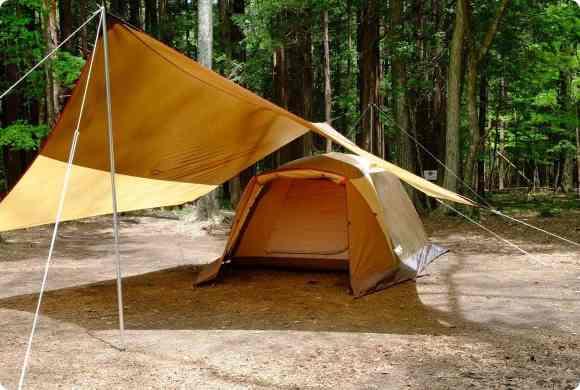 どの位置にテントを張るのがベスト?タープとテント連結のポイント - キャンプ道具のマメ知識 | Hondaキャンプ | Honda