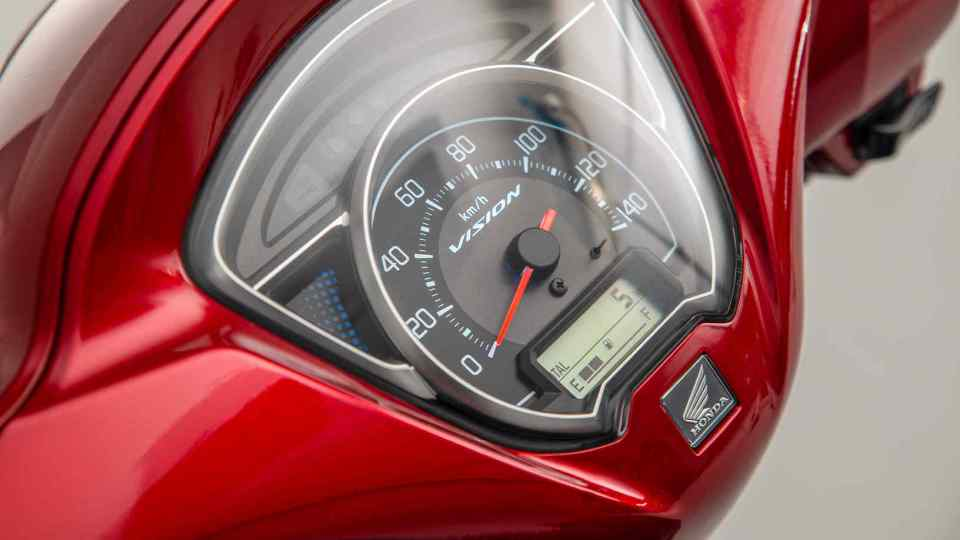 Honda Vision 110 hravo zvláda mestskú premávku