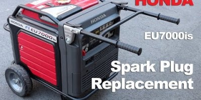 Detailing change of Honda generaor spark plug