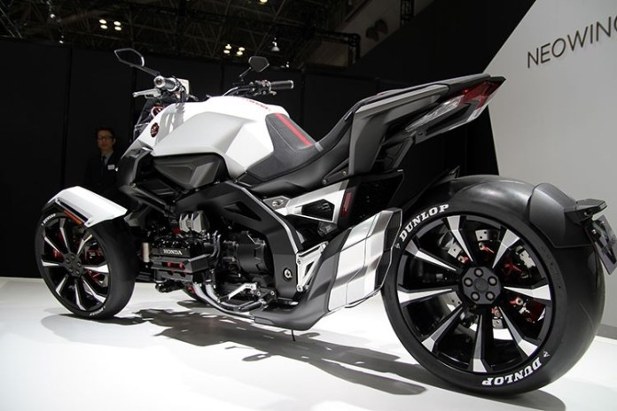 2019 Honda NEOWING Motorcycle Review / Specs | Reverse Trike / Three-Wheel Bike