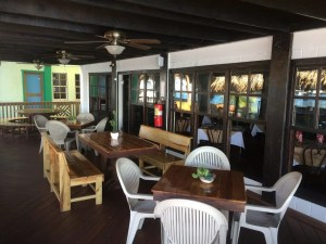 Mid roatan restaurants