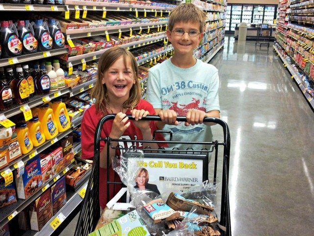 The wee ones loved picking out their own summer snacks at Mariano's