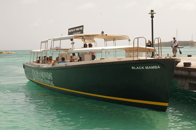 St Maarten water taxi is an easy boat