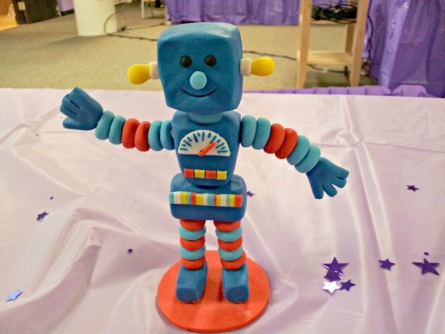 Robot made from Wilton Shape-n-Amaze dough
