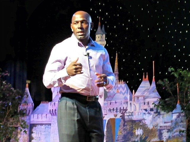 Donald Driver speaking at Disney Social Media Moms 2014