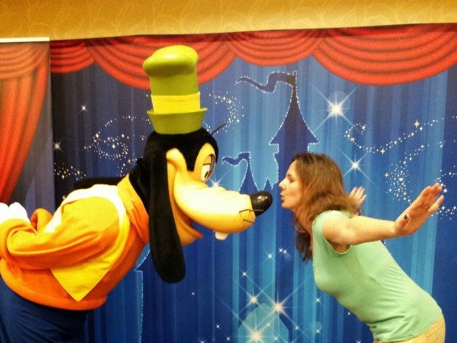 Giving Goofy just a little kiss