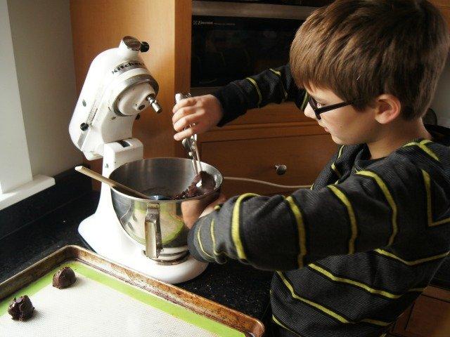 Using a cookie scoop to make brookies