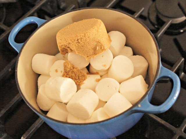 Ingredients for marshmallow popcorn