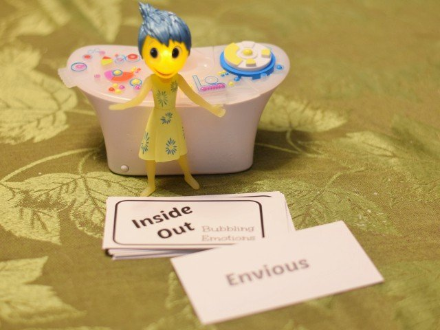 Inside Out Bubbling Emotions card game