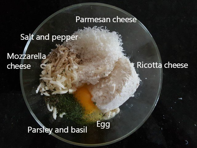 Ingredients for lasagna roll up filling