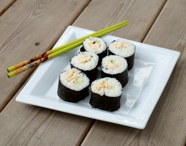 enjoy sushi at home with these homemade spicy tuna rolls