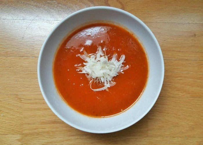 Delicious bowl of Instant pot tomato basil soup recipe
