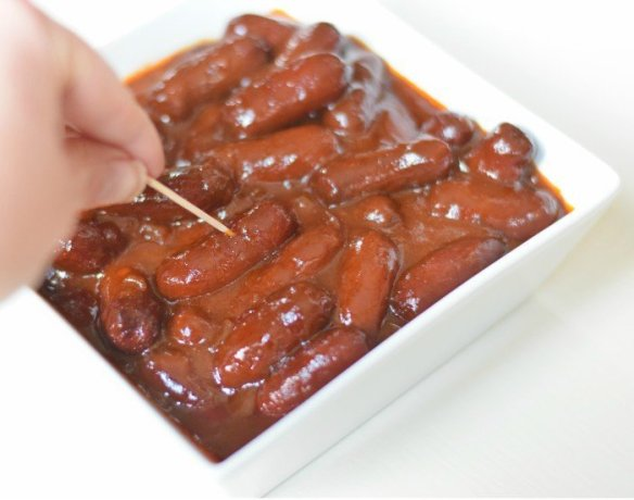 Dig into bourbon bbq little smokies with this simple appetizer recipe