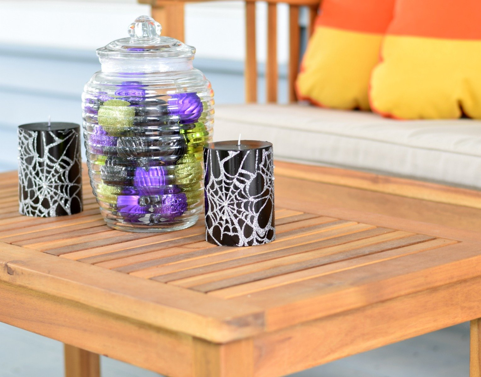 Tablescape for Halloween front porch decor ideas