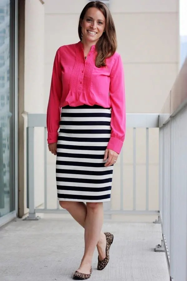 http://www.thirtiestwocents.com/2013/08/street-style-inspiration-pink-and-navy.html