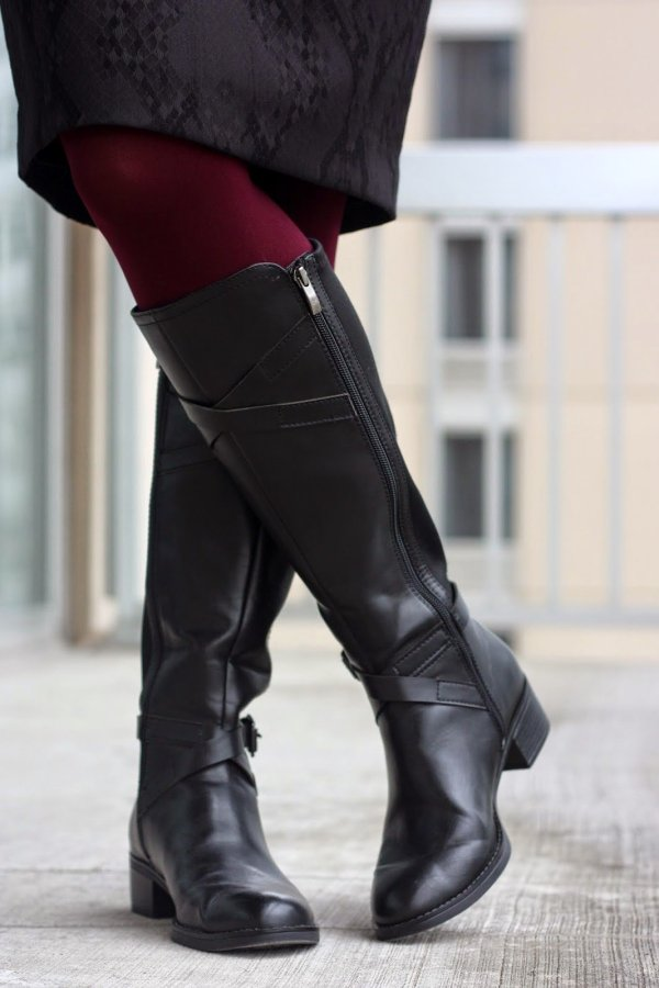 black pencil skirt, burgundy tights, and black boots | wear to work, office | www.honestlymodern.com