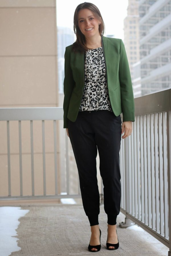 FashionablyEmployed.com | black joggers at work, green blazer and black and white blouse with black heels | wear to work, office
