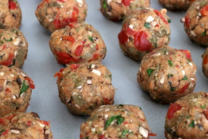"""FashionablyEmployed.com 