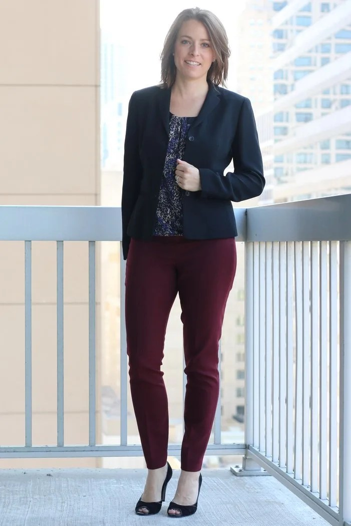 FashionablyEmployed.com | Floral blouse, black blazer and maroon pants with black heels | Transitional summer to fall workwear style | Simple and sustainable style for everyday professional women |work outfit, office style, women's workwear