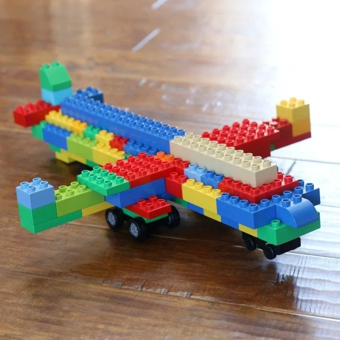 lego-duplo-airplane-made-by-little-boy