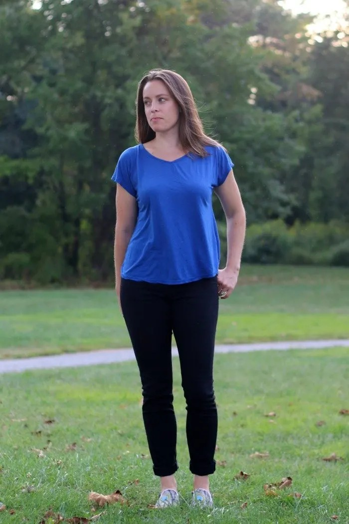 blue-shirt-and-black-jeans-with-bucketfeet-shoes-in-park-2
