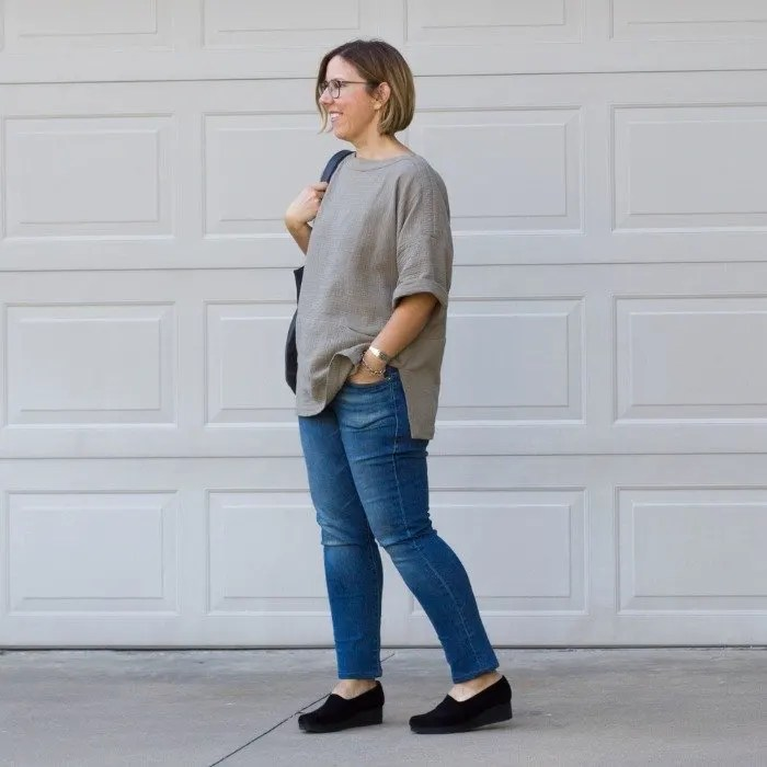 grechen-in-gray-sweater-and-denim-with-black-shoes